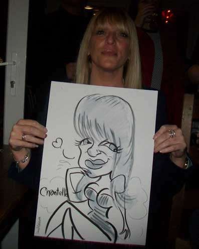chantelle looks great in her caricature and lets me take a photo