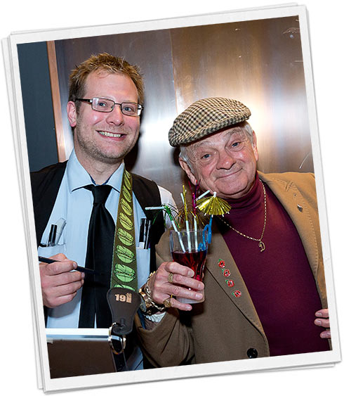 Del boy lookalike and caricaturist together